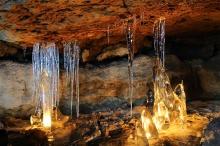 05 Jeskyně víl - ledopády v Kyjovském údolí, foto J. Laštůvka.jpg