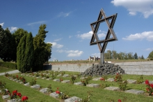 památník Terezín.jpg